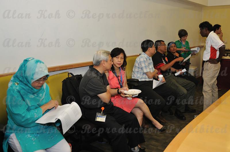 2012 ESU NUS Signing of CA - 15