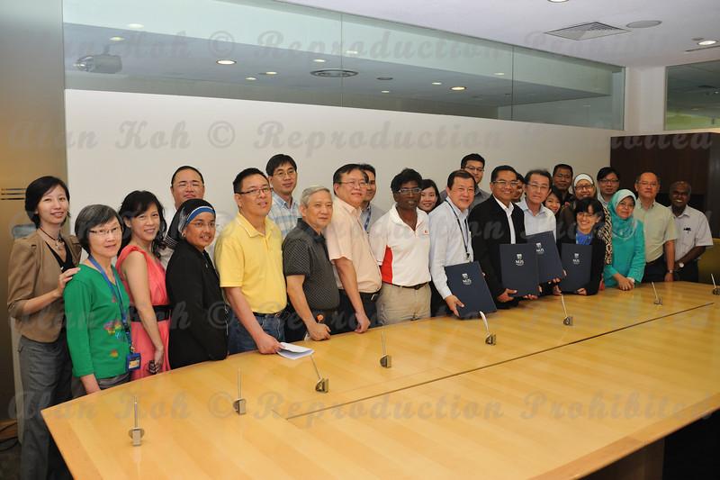 2012 ESU NUS Signing of CA - 50