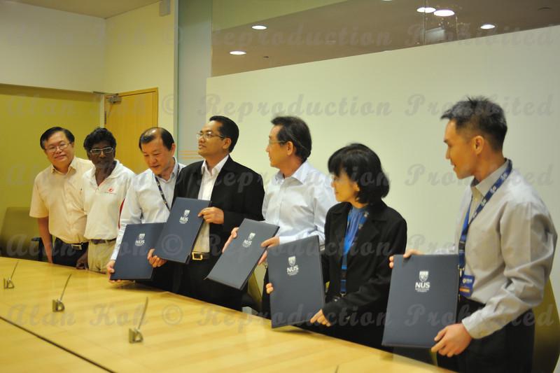 2012 ESU NUS Signing of CA - 44