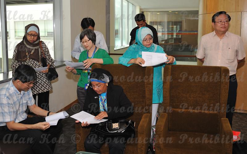 2012 ESU NUS Signing of CA - 09