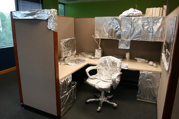 2007-06-22-office-foil-prank