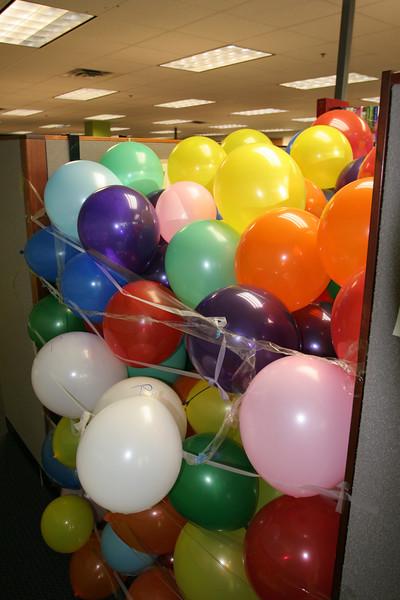2007-09-17-office-ballon-prank
