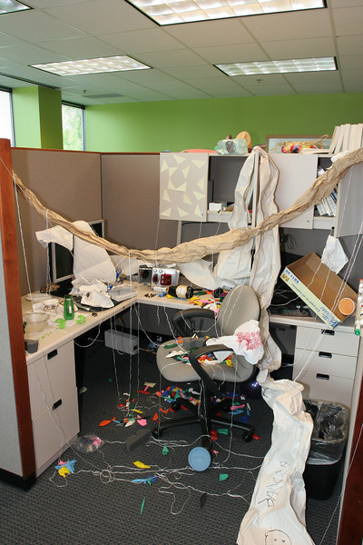 2007-09-19-eric-desk-day-2