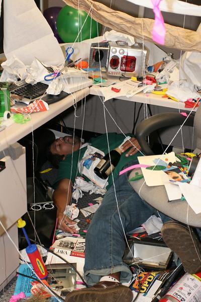 2007-09-21-eric-desk-day-4