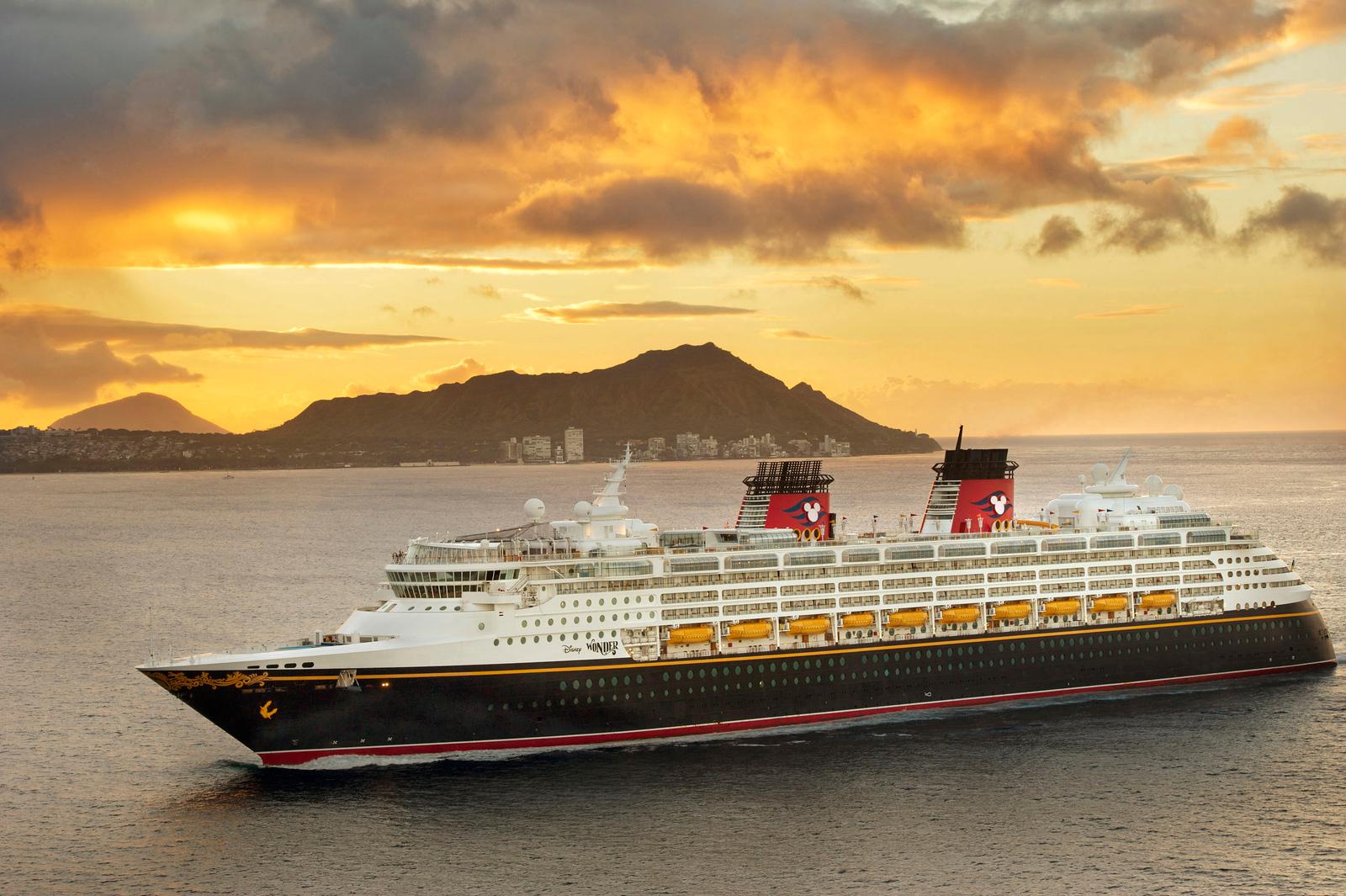 Disney Wonder in Hawaii