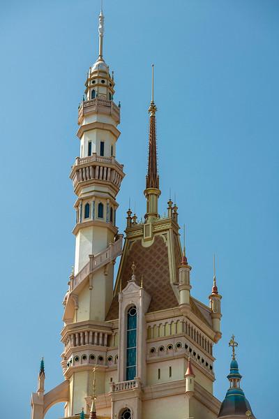 hong kong disneyland castle of magical dreams tower details (6)