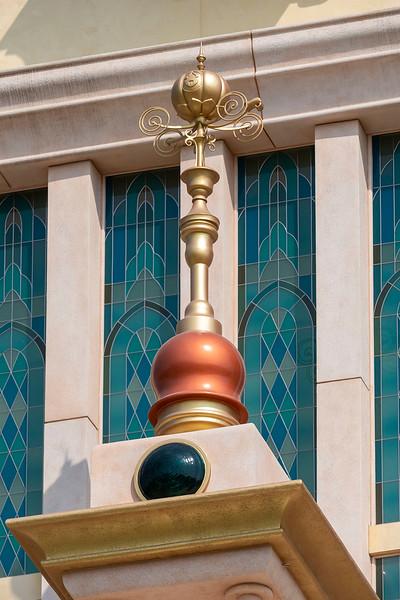 hong kong disneyland castle of magical dreams tower details (3)
