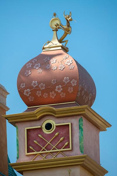 hong kong disneyland castle of magical dreams tower details (4)