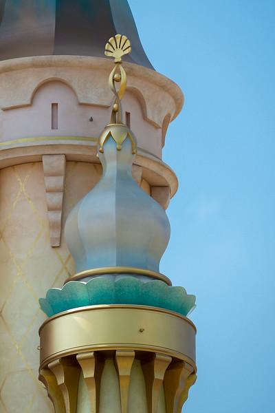 hong kong disneyland castle of magical dreams tower details (15)