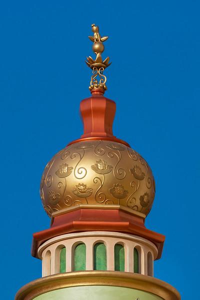 hong kong disneyland castle of magical dreams tower details (8)