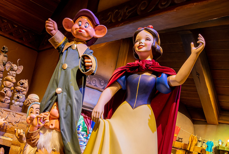 First Look of Snow White's Enchanted Wish at Disneyland Park