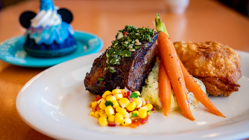 """""""Magic Happens"""" Parade Dining Package"""