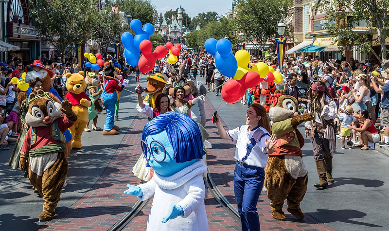 'Mickey and Friends Band-Tastic Cavalcade' to fill the gap between 'Soundsational' departure and 'Electrical Parade' return
