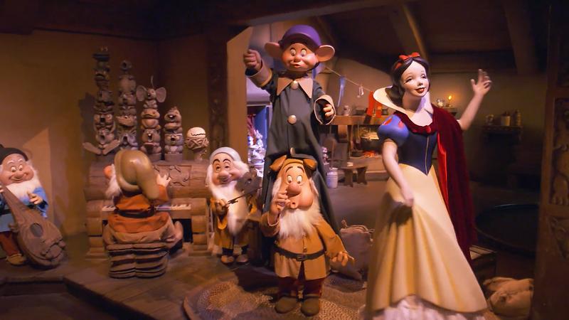 Snow White's Enchanted Wish Disneyland First Look (5)