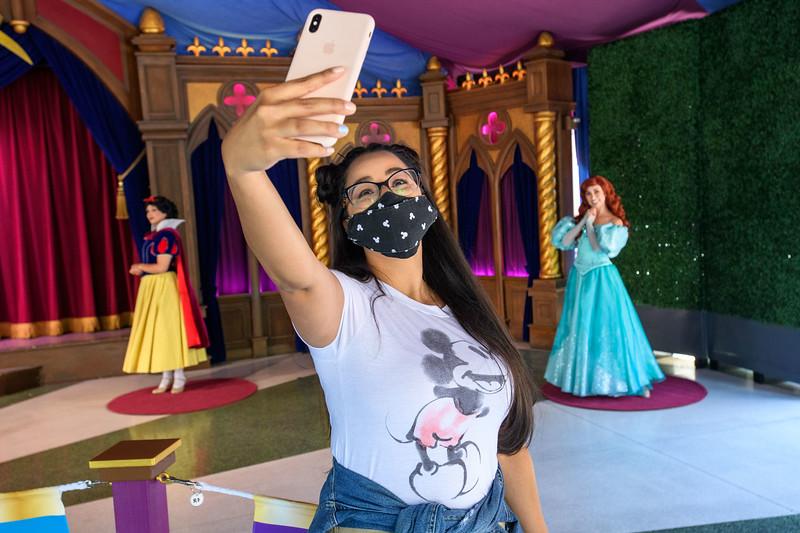 Magic Returns to Disneyland Resort Theme Parks - Princesses