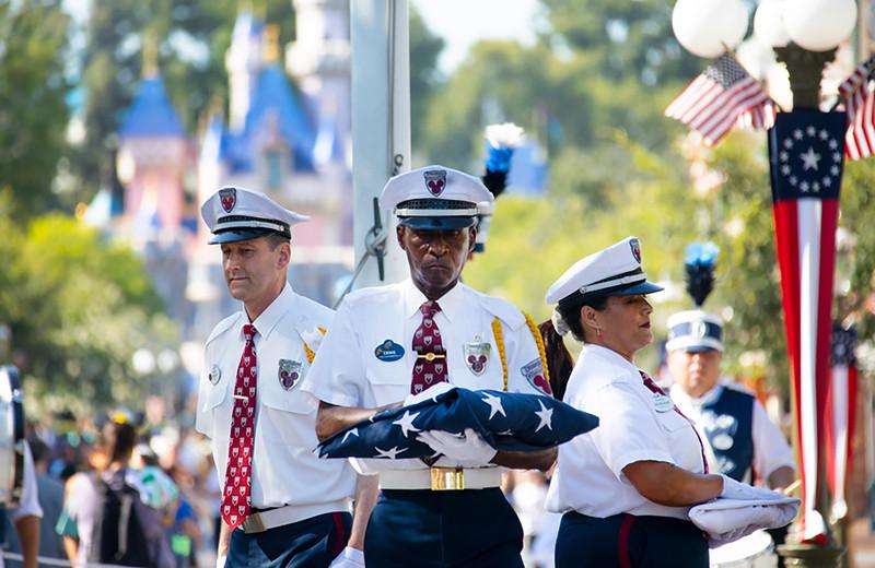 flag-retreat-ceremoney-(1)