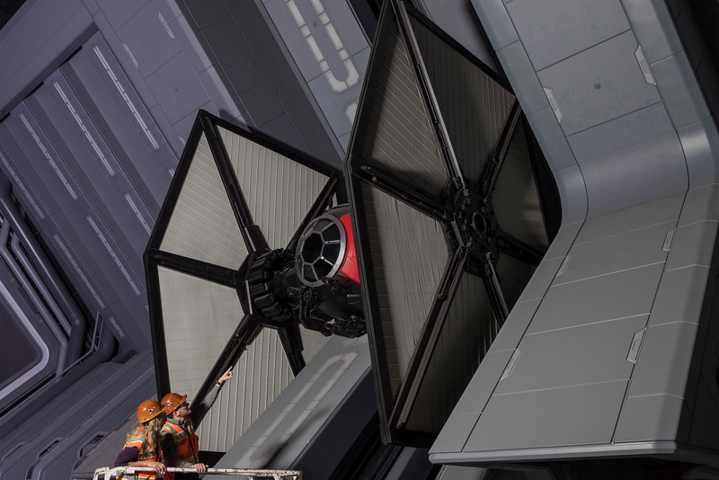 Star Wars: GalaxyÕs Edge Ð Tie Fighter