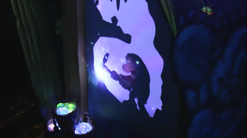 Snow White's Enchanted Wish Disneyland First Look (9)