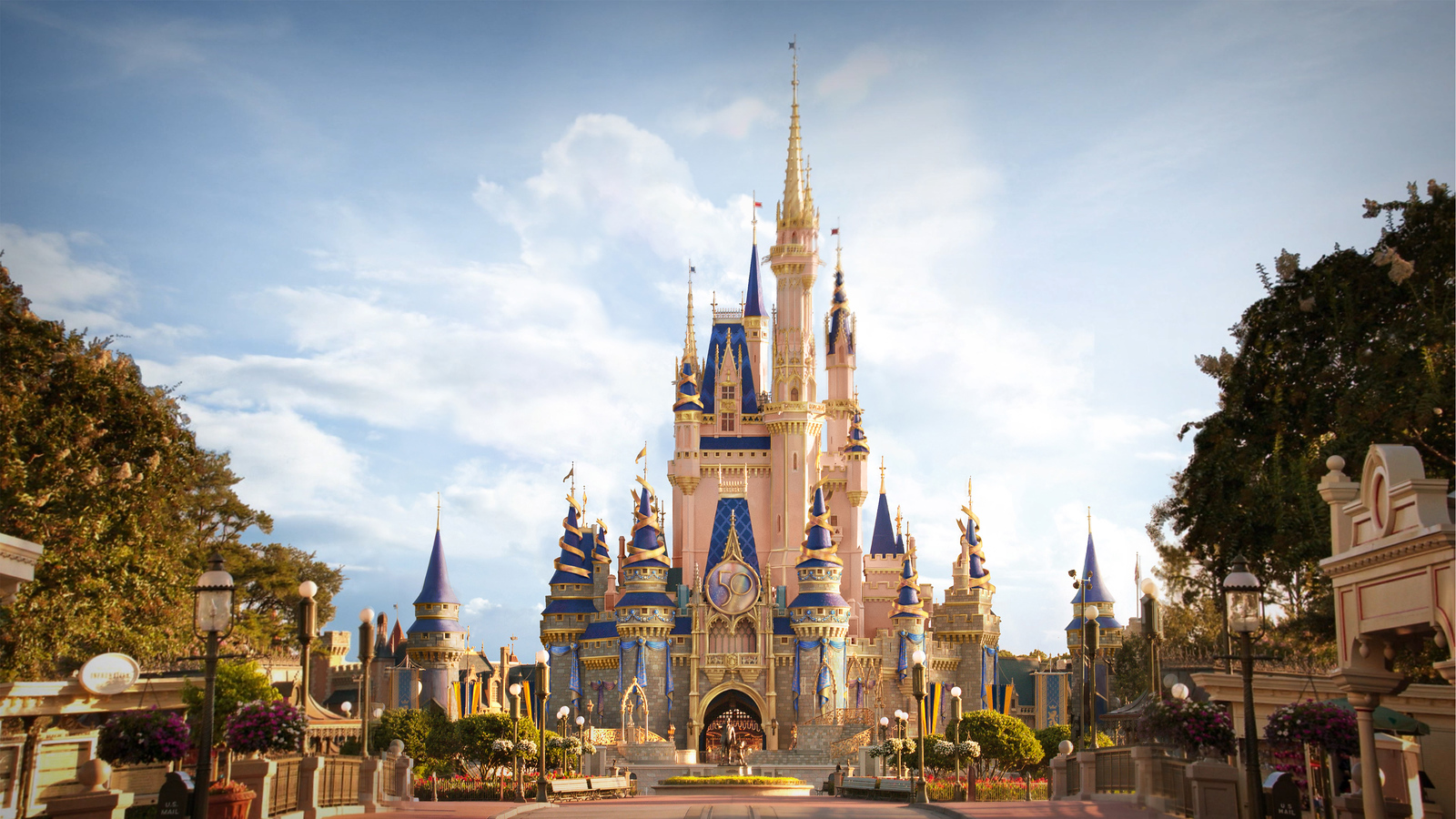 MK-Castle-50th-Decor-Rendering-2