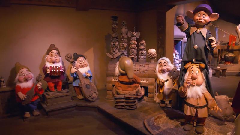 Snow White's Enchanted Wish Disneyland First Look (4)