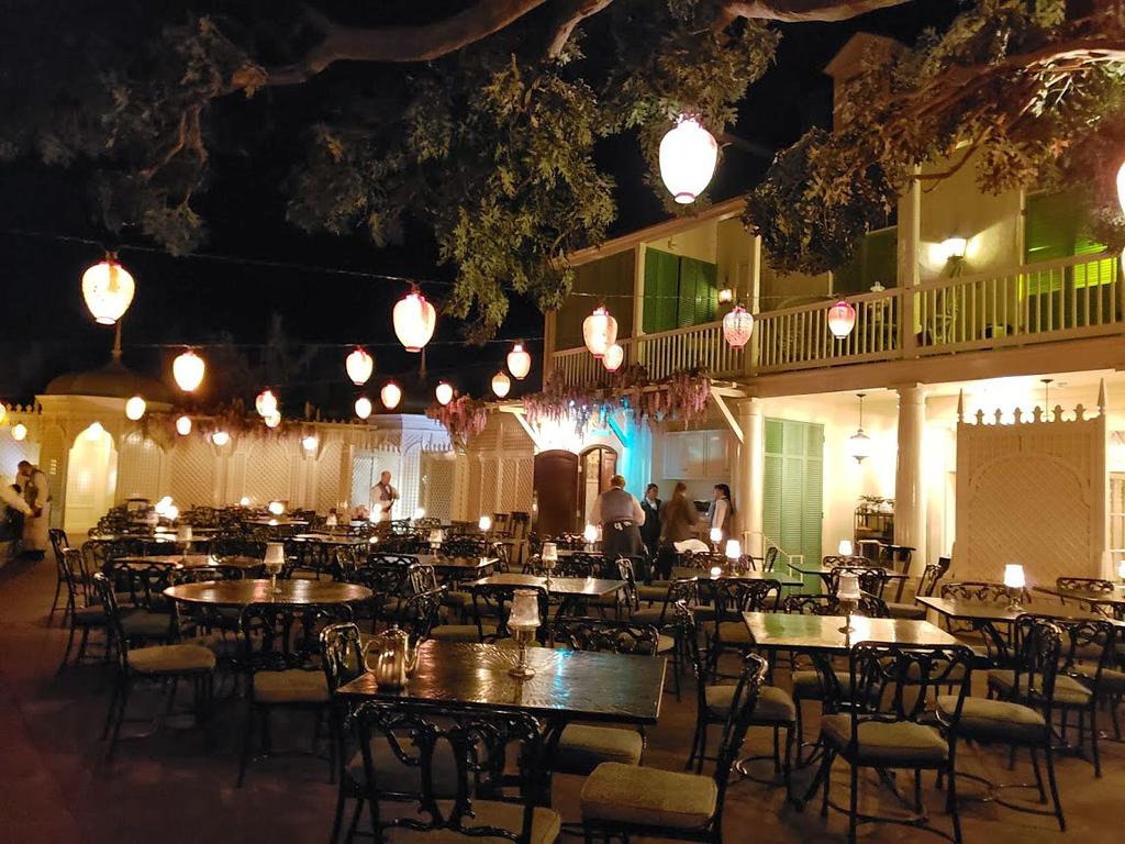 bule bayou restaurant disneyland dining room 20181202_222502