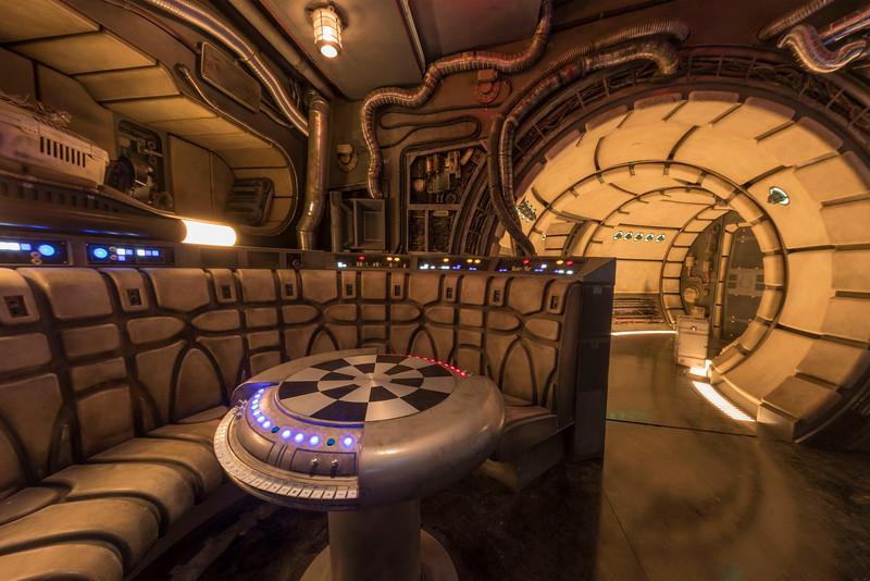 Star Wars: Galaxy's Edge – Chess Room in Millennium Falcon: Smugglers Run