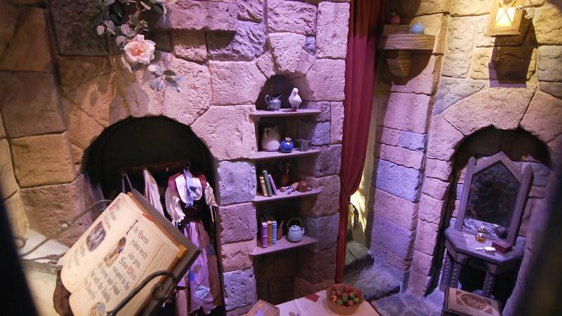Snow White's Enchanted Wish Disneyland First Look (15)
