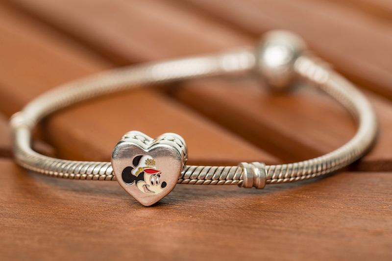 Captain Minnie Mouse - PANDORA Jewelry Charm