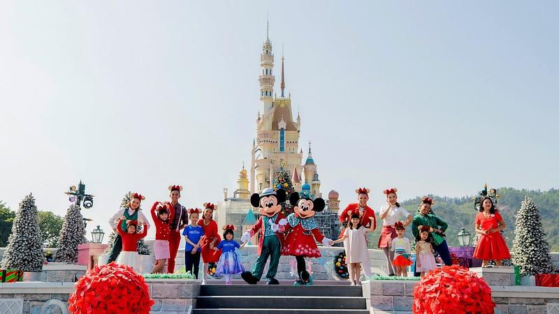 2019 'A Disney Christmas' brings the spirit of the season to Hong Kong Disneyland