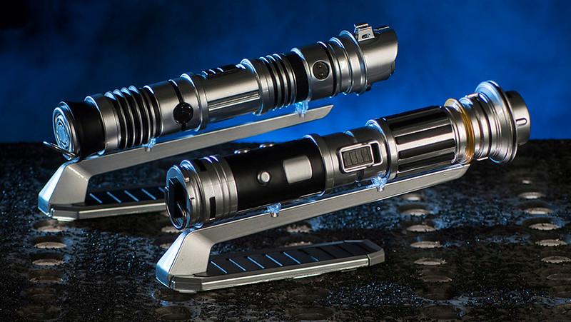 Star Wars: Galaxy's Edge Merchandise – Custom Lightsabers