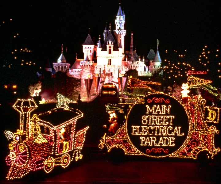 Are you excited for the Disneyland return of the MAIN STREET ELECTRICAL PARADE?