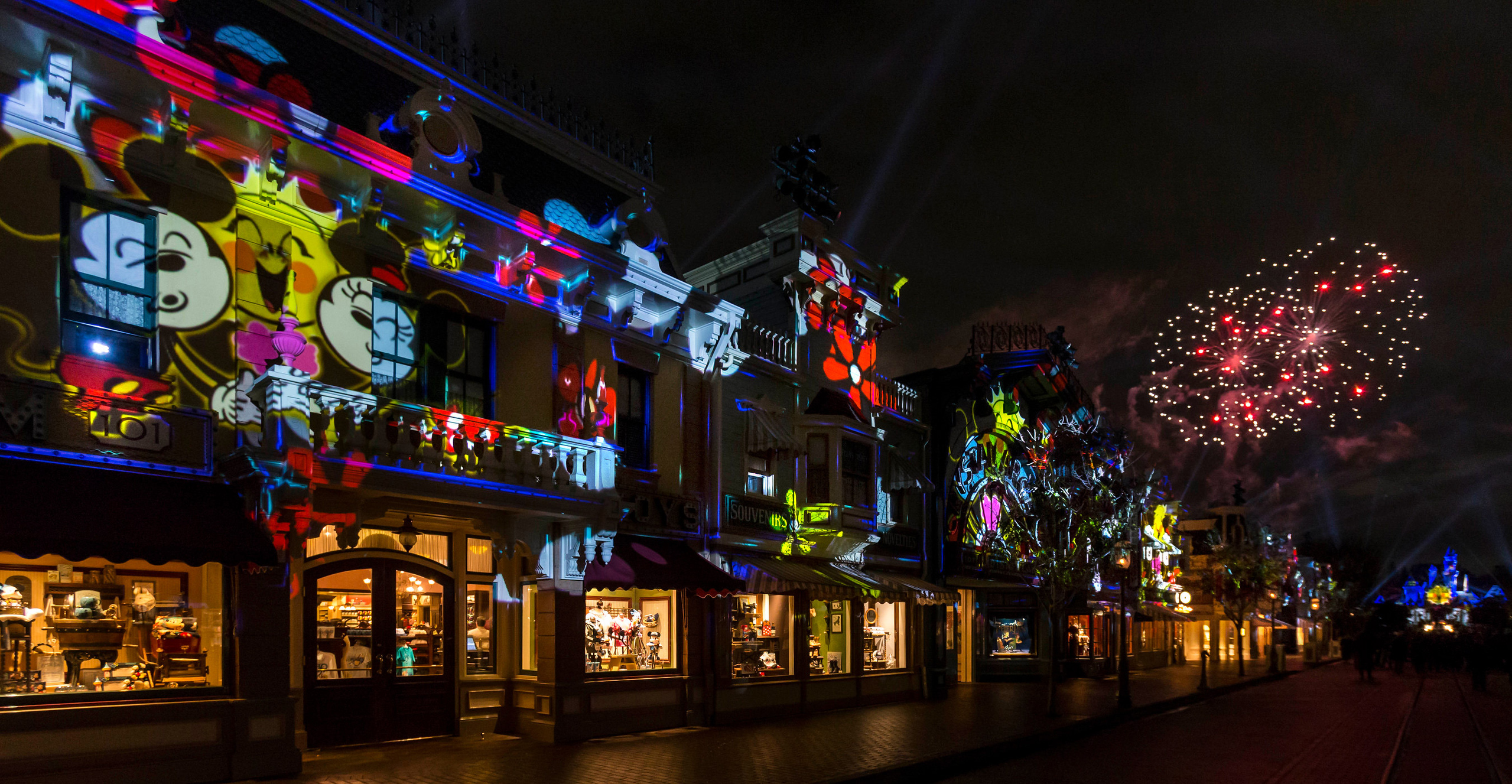 FIRST LOOK: New Mickey's Mix Magic projection (and sometimes fireworks) show
