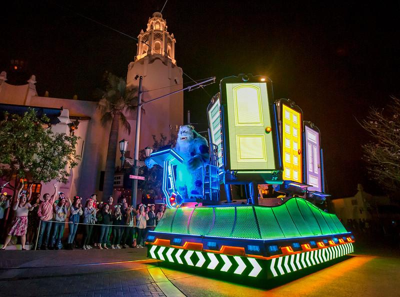 WATCH: Popular PAINT THE NIGHT parade debuts at Disney California Adventure for #PixarFest