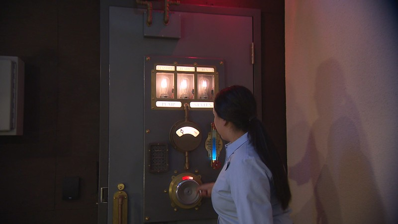 lamplight lounge pixar pier official (24)