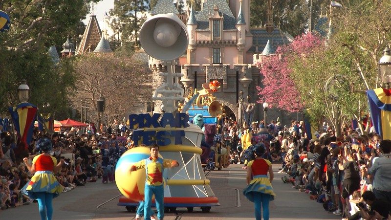 WATCH: 'PIXAR PLAY PARADE' debuts new floats for #PixarFest premiere at Disneyland
