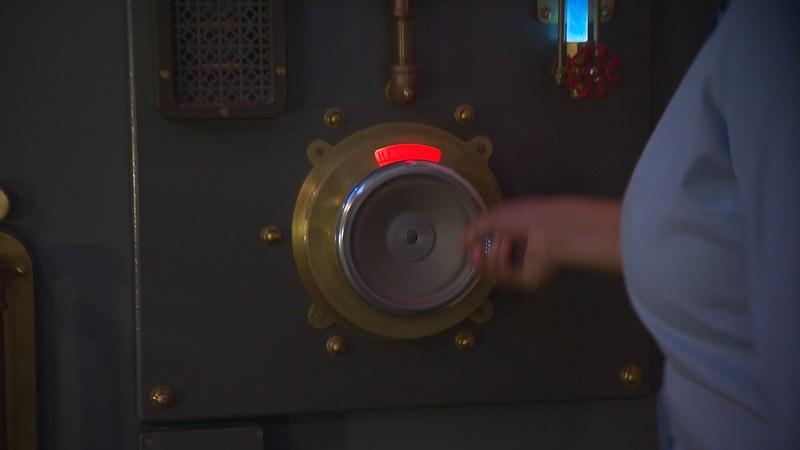 lamplight lounge pixar pier official (21)