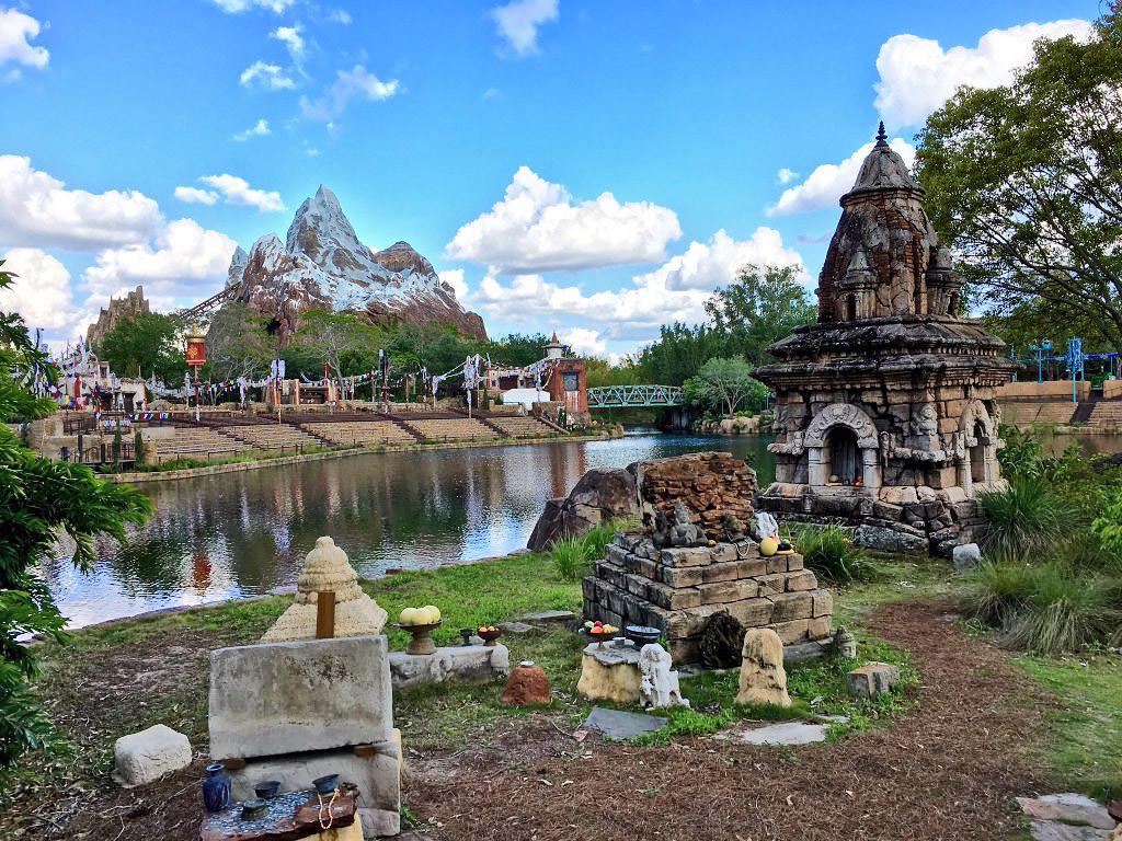 Walt Disney World FREE Disney Dining Plan offer returns for Disney Visa Cardmembers