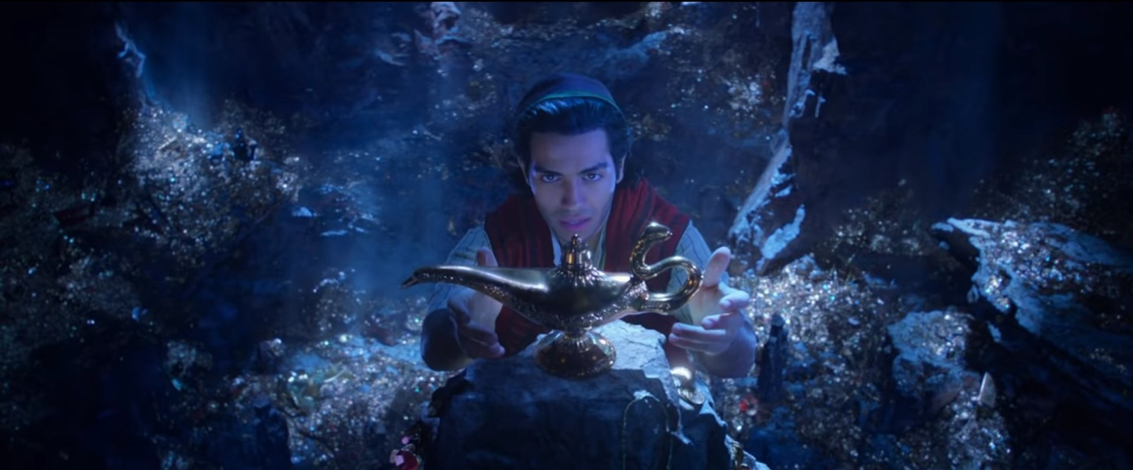 FIRST LOOK: Live action ALADDIN unveils teaser