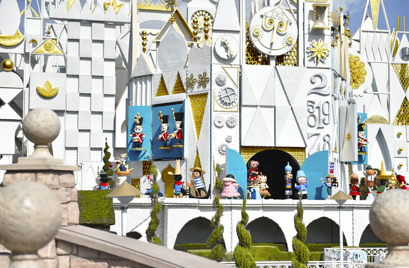 behind the attraction disney plus 2 small world (3)