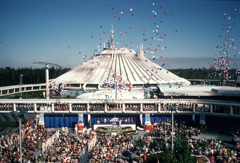 behind the attraction disney plus 5 space mountain (1)