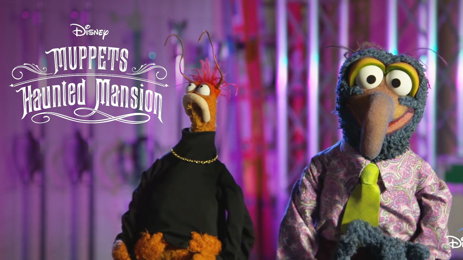 muppets-haunted-mansion-gonzo-and-pepe-the-prawn