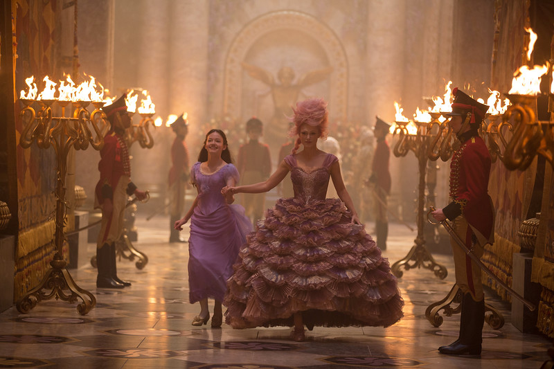REVIEW: THE NUTCRACKER AND THE FOUR REALMS is an enchanting holiday feast for the eyes