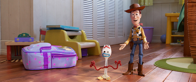 TOY STORY 4 launches final trailer, new stills