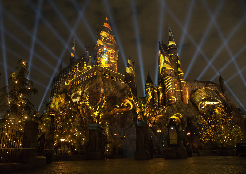 """""""The Nighttime Lights at Hogwarts Castle"""" at """"The Wizarding World of Harry Potter"""" - Universal Studios Hollywood -- Hufflepuff house featured"""