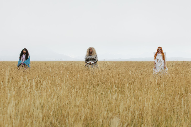 REVIEW: A WRINKLE IN TIME makes the universe feel smooth