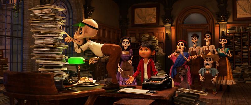 Disneyland and Walt Disney World getting exclusive sneak peeks of Disney-PIXAR's COCO