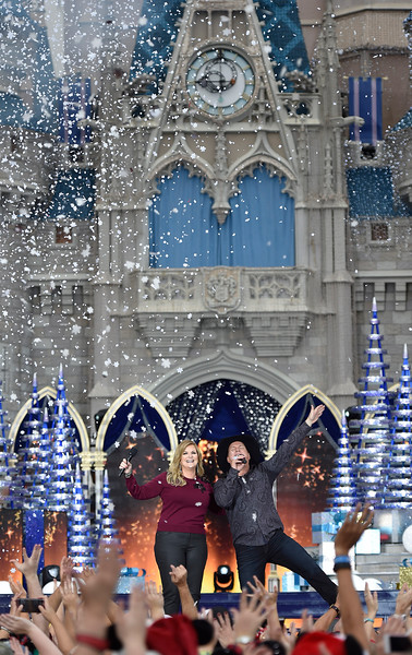 2016 Disney|ABC Television Group Holiday Specials at Disney Parks