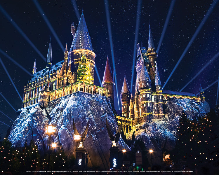 It's beginning to look a lot like Christmas at Hogwarts with SNOW!