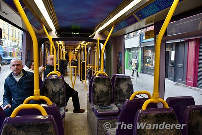"""Interior of 5015 at Parnell. A stop of about 4 minutes was taken on this """"City Centre Loop"""" service to allow for late running. Sat 09.12.17"""