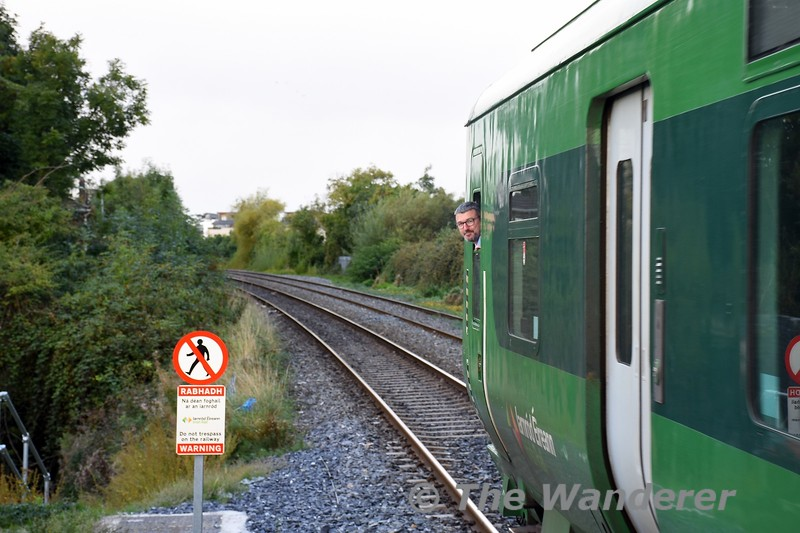29019 departs from Pelletstown with the 0845 Connolly - Maynooth. Sun 26.09.21